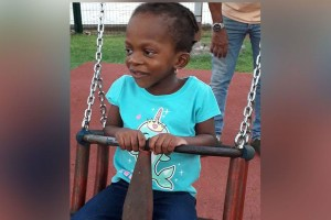 Faith, 3ans, originaire de Saint Vincent et les Grenadines